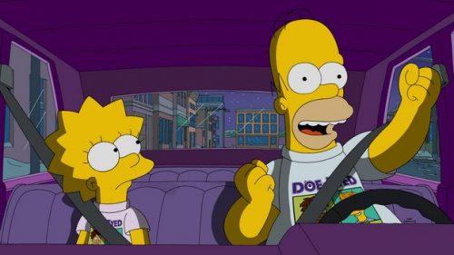 Harper ist die neue Schülerin in Lisas Klasse und sehr reich. Lisa befreundet sich schnell mit dem neuen Mädchen und erfährt, was es für Vorteile hat mit einem Superreichen befreundet zu sein. Doch schnell gibt es Streit und ihre Freundschaft zerbricht. Homer möchte auch ein Stück vom Kuchen ab haben und versucht die beiden wieder zu versöhnen.
